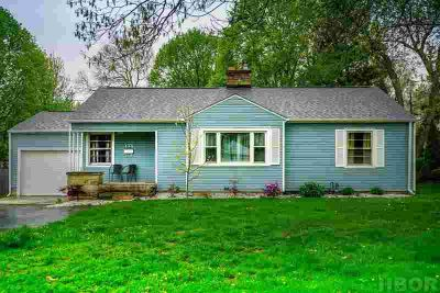 133 E Yates Ave FINDLAY Three BR, Charming ranch style family