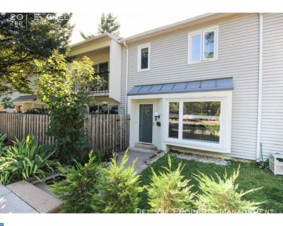 Immaculate Townhouse for Rent - 201 E. Chelsea Circle - Top Rated School District