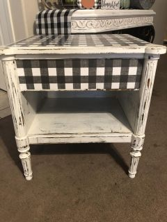 Upcycled side/end table