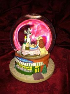 Classic Lady and the Tramp Disney Snowglobe