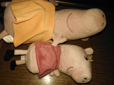 Peppa and momma pig