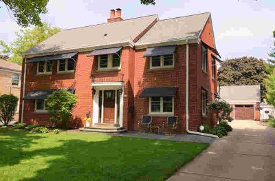 820 Windsor Ct Wauwatosa, Gorgeous all brick 4 BR