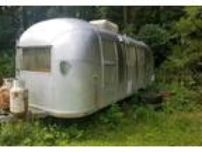 1964 Airstream Land-Yacht Travel Trailer in Cumming, GA
