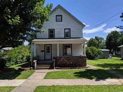 3 Bed 1 Bath Foreclosure Property in Belvidere, IL 61008 - E Jackson St