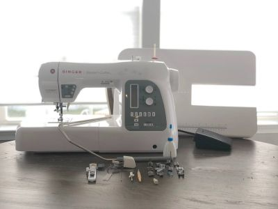Modern Quilter 8500Q Sewing and Quilting Machine