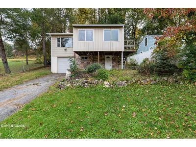 2 Bed 1 Bath Foreclosure Property in New Fairfield, CT 06812 - Lavelle Ave