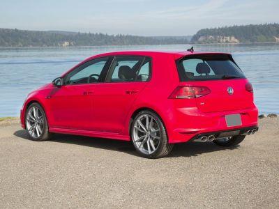 2017 Volkswagen Golf R DCC & Navigation 4Motion (Deep Black Pearl Metallic)