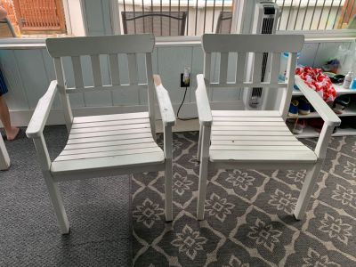 2 outdoor/indoor wooden patio chairs. Just need a little paint. Already power washed. Just don t fit with our table in the sunroom.