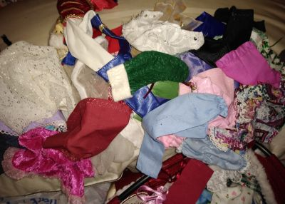TONS OF BARBIE CLOTHES, SHOES, accessories & tent
