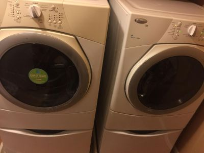 Whirlpool washer and dryer with pedestals