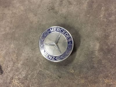 Sell MERCEDES BLUE WREATH CENTER WHEEL HUB CAP 75MM COVER CHROME EMBLEM CAP ONE OEM motorcycle in Safety Harbor, Florida, United States, for US $12.99