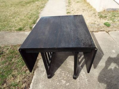 Table*Folding*Vintage*Solid Wood*Needs Re Stain