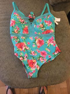 New time and true bathing suit size 3X 24 26