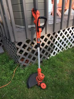 Black & Decker Electric Auto Feed String Trimmer Edger