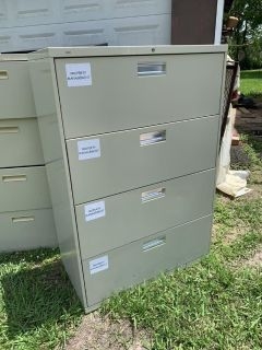 Drawers steel dresser in good shape nothing wrong