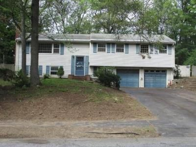 4 Bed 1.5 Bath Foreclosure Property in Hudson, MA 01749 - Laurel Dr