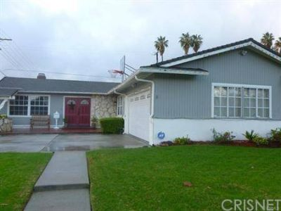 7801 Vicky Avenue CANOGA PARK, Beautiful corner lot this