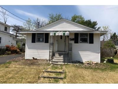2 Bed 1 Bath Preforeclosure Property in Latham, NY 12110 - Taft Ave