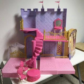 Barbie 12 Dancing Princesses Castle set