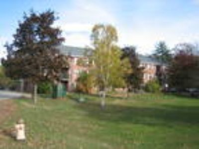 Apartments for rent Concord, NH - Meadowbrook Apartments