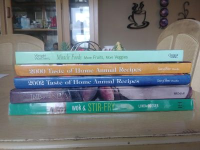 Cook books lot all 5$. Great for resale.