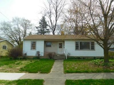 3 Bed 1 Bath Foreclosure Property in Saint Johns, MI 48879 - S Morton St