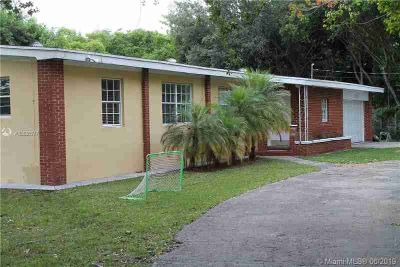 11390 SW 87th Ave MIAMI, Great home for rent with Three BR