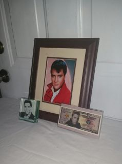 Elvis 5 by 7 photo in nice matted 8 by 10 frame. Paper weight different picture on each side & Fake money wh Elvis picture. All for $10