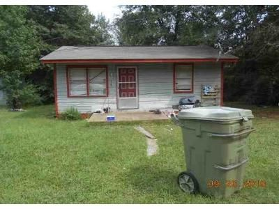 2 Bed 1 Bath Foreclosure Property in Winona, MS 38967 - Alice Ln