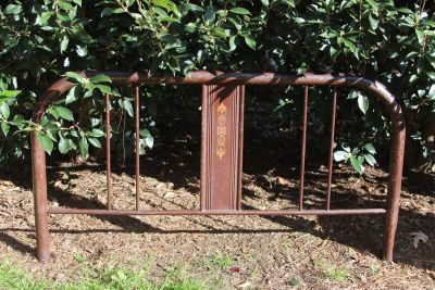 Antique Full Size Metal Bed With Rails