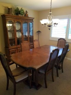 Table, hutch and 6 chairs
