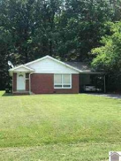 908 N 21st Paducah, Well maintained brick home