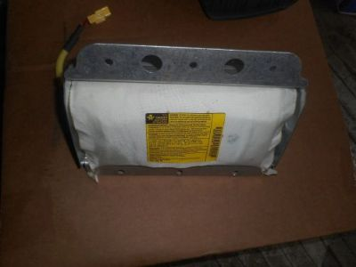 Sell OEM Genuine 2003 Kia Sorento Complete Passenger's Right Side Air Bag Dash motorcycle in Fitchburg, Massachusetts, United States, for US $64.99