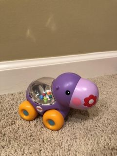 Rattle/pop Fisher Price car