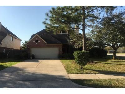 5 Bed 3.5 Bath Preforeclosure Property in Pearland, TX 77581 - Pine Stream Dr