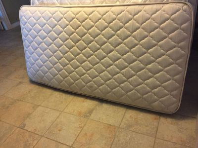 Twin mattresses $30 each!!(I hv 2 available)PICKUP IN ANGLETON