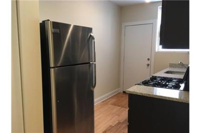 2BD / 1BA Edgewater Rehab! In Unit washer/dryer! FREE INTERNET! Steps To Red Line