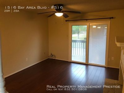 A must see 2 bedroom 2 bathroom condo ready for move in!