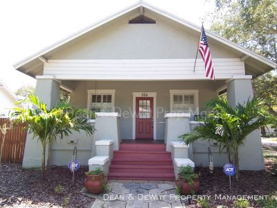 Gorgeous Remodeled Old Northeast Bungalow - 3/2 with Detached Garage