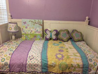 2 Girls Twin size bedding