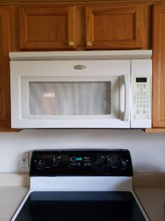 Microwave oven/oven vent