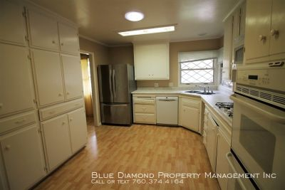 Large 4 BR, 2 BA with yard and garage in Oceanside