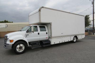 2004 Ford F-650 XLT Crew Cab 22 ft. Box Van Grip Truck