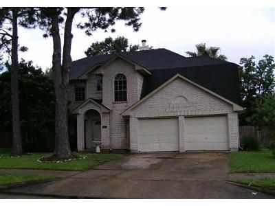 4 Bed 2.1 Bath Foreclosure Property in Pearland, TX 77581 - Tower Bridge Rd