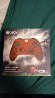 Gears of war Limited Edition Xbox one controller brand new in box