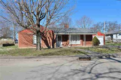 310 Feltz Perryville Three BR, Are you looking for a solid built