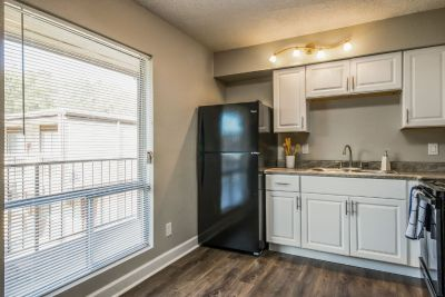 Newly Renovated 1 Bedroom! Remarkable Value. Unbeatable Location!
