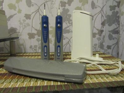 Oral-B Professional Electric Power Toothbrush 2 Modules
