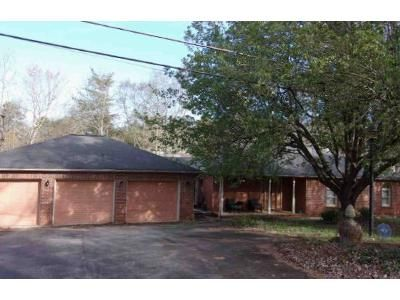 3 Bed 2 Bath Foreclosure Property in Greenville, SC 29611 - Old Saluda Dam Rd