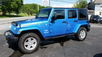 2010 Jeep Wrangler Unlimited Sahara (Blue)